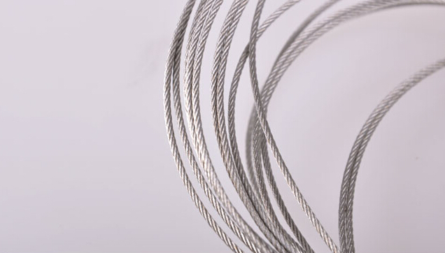 手摇晾衣架钢丝绳的安装方法 图片